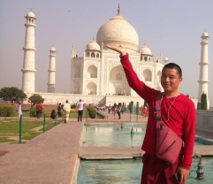 Lobsang at Taj Mahal 1
